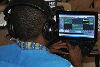 Ameaças de hackers à comunicação estão entre riscos citados. Foto: Unesco