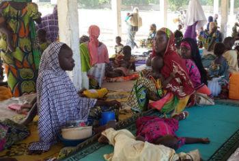Grupo de refugiadas nigerianas que deixaram o país após os ataques do Boko Haram. Foto: Acnur/D. Mbaoirem