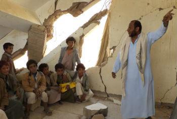 Crianças em aula no Iêmen, onde mais de 600 escolas foram danificadas pelos conflitos. Foto: Unicef
