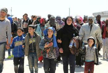 Refugiados e migrantes resgatados no Mediterrâneo. Foto: Acnur/ F. Malavolta