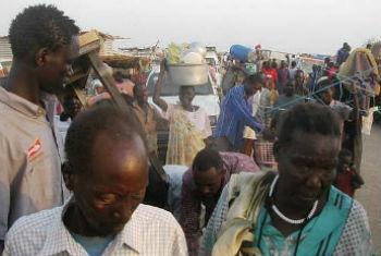 Civis fogem da violência no Sudão do Sul. Foto: Unmiss/Nyang Touch Pal