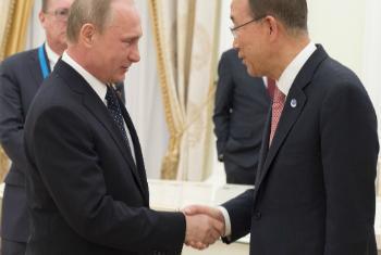 Presidente russo Vladimir Putin e secretário-geral da ONU, se reuniram em Moscou. Foto: ONU/Eskinder Debebe