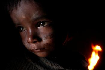 Apoia a crianças vulneráveis. Foto: OMS.