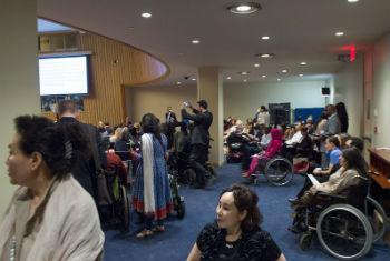 Participantes da 8ª Sessão da Conferência dos Estados Partes da Convenção sobre os Direitos das Pessoas com Deficiência no primeiro dia do encontro. Foto: ONU/Eskinder Debebe