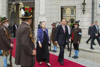 Secretário-geral Ban Ki-moon e sua esposa Yoo Soon-taek em Bonn, Alemanha. Foto: ONU/Rick Bajornas