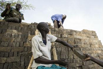 Formação em construção sustentável. Foto: ONU/Martine Perret (arquivo)