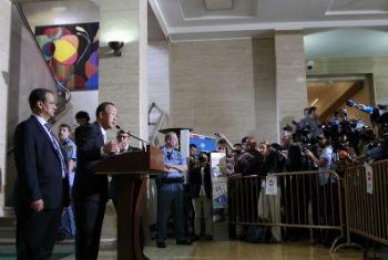 Ban Ki-moon em conferência de imprensa em Genebra. Foto: ONU/Rick Bajornas