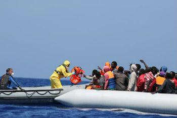 Cerca de 4,8 mil migrantes foram resgatados no Mar Mediterrâneo, no último fim de semana.Foto: OIM/Francesco Malavolta