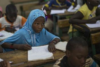 Escola no Mali. Foto: © ONU/Marco Dormino