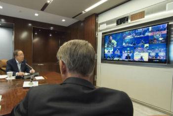 Ban Ki-moon em videoconferência com os chefes e comandantes das Missões de Paz. Foto: ONU/Eskinder Debebe