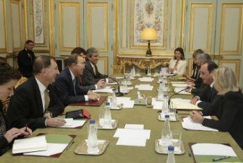 Ban Ki-moon reunido com embaixadores franceses. Foto: ONU/Evan Schneider