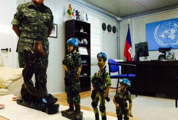 Jaborandy Júnior em seu escritório na Minustah. Foto: Rádio ONU