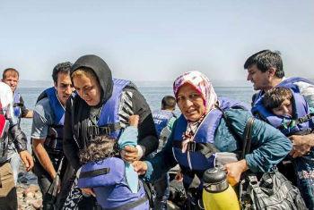 Migrantes chegam à Grécia. Foto: Acnur/ J. Akkash