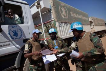 Soldados da paz em Darfur. Foto: Unamid /Albert González Farran.