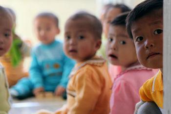 Maiores riscos estão no primeiro mês de vida. Foto: Foto: ONU/David Ohana