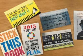 Adesivos ilustram a proposta da campanha. Foto: ONU/Stephanie Coutrix
