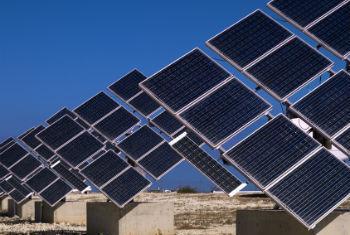 ONG premiada lida com energia solar. Foto: ONU/Pasqual Gorriz
