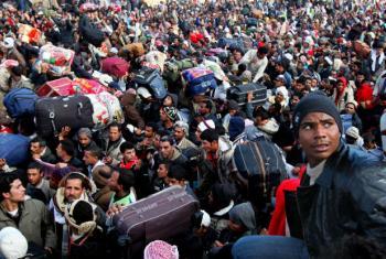 Refugiados líbios na fronteira com a Tunísia. Foto: Acnur/ Duclos