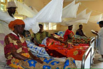 Centro de saúde no Uganda onde as mulheres podem ter consultas de planeamento familiar e dar à luz em segurança. Imagem: UNFPA/Omar Gharzeddine