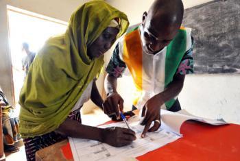 Eleições na Côte d'Ivoire. Foto: ONU/Hien Macline