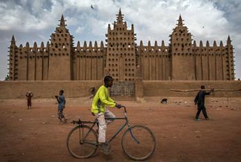 O especialista, Suliman Baldo, concluiu a sua visita ao Mali. Foto: Minusma/Marco Dormino