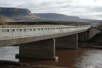 Ponte Ha Makhoathi, no Lesoto. Foto: John Hogg / Banco Mundial