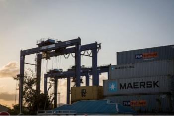 Porto de Dar es Salaam Port, na Tanzânia.