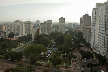 Taffere Tesfachew apresentou o relatório na capital moçambicana, Maputo. Foto: Banco Mundial/John Hogg