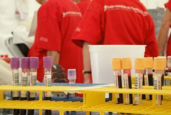 Centro de transfusão de sangue no Iémen em risco de fechar. Foto: OMS/Sari Setiogi
