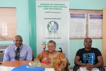 Ricardo Moresse (esquerda), Farida Gulamo (centro) e Garrido Cuambe (direita). Foto: Rádio ONU/Ouri Pota