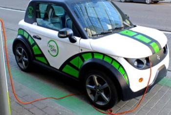 Vários países já colocaram em prática políticas que apoiam o uso de carros elétricos.Foto: Pnuma