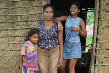 Família deslocada por causa do conflito armado na Colômbia, vive em Arjona, uma área pobre nos arredores de Cartagena. Foto: Kristy Siegfried/IRIN