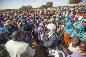 Ban Ki-moon disse que a ser adotada por todas as partes aproposta ajudaria a prestar assistência às comunidades carentes.Foto: Unamid/Hamid Abdulsalam