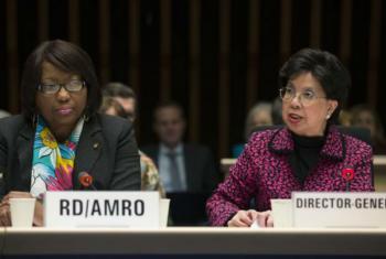 Margaret Chan (direita) e Carissa Etienne (esquerda) em conferência de imprensa em Genebra. Foto: OMS