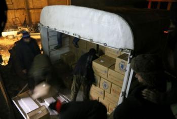 Caminhão carregado de comida para a população em Madaya, na Síria. Foto: PMA/Hussam Alsaleh