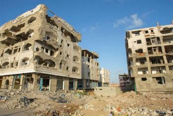 Conflito continua a forçar as famílias a fugirem das suas casas no Iémen. Foto: WFP/Ammar Bamatraf