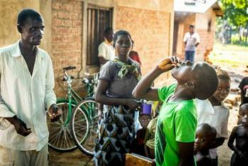 Campanha de vacinação oral contra o cólera no Malauí. Foto: WHO/L. Pezzoli