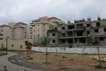 Construções na Cisjordânia. Foto: Annie Slemrod/IRIN