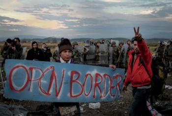 François Crépau sugere aos países europeus que ofereçam canais regulares e seguros para a mobilidade dos migrantes.Foto: Unicef/Ashley Gilbertson VII
