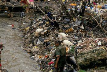 A agência para o Meio Ambiente, Pnuma, afirma que alguns problemas de saúde podem estar ligados à poluição e degradação ambiental. Foto: Banco Mundial/Curt Carnemark