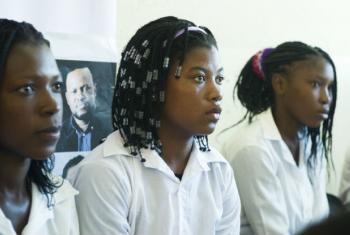 O Fundo das Nações Unidas para a População, Unfpa, quer ajudar a empoderar raparigas em Moçambique.Foto: ONU/Eskinder Debebe
