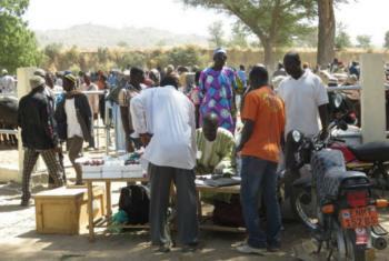 O mercado de Zamai foi reaberto após uma reforma de três meses. Foto: Pnud