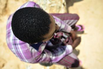 Em relatório, Leila Zerrougui pediu recursos adequados para criar e manter programas sustentáveis de reintegração para antigas crianças-soldado. Foto: ONU/Tobin Jones