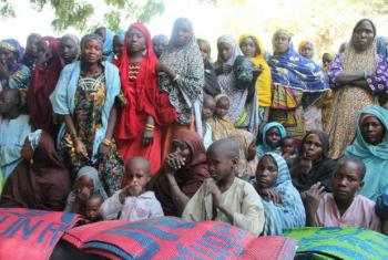Refugiados nigerianos que fugiram da violência do Boko Haram. Foto: Irin/Anna Jefferys