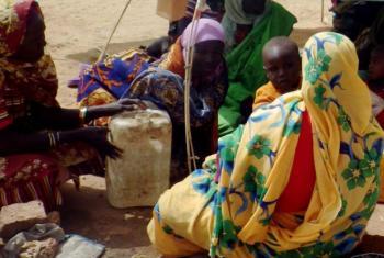Mulheres e criança deslocadas de Jebel Marra. Foto: Ocha