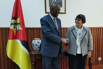 Márcia de Castro e Oldemiro Balói. Foto: ONU/RCOMoçambique.