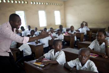 Escola em Kinshasa, na República Democrática do Congo. Foto: Banco Mundial/Dominic Chavez