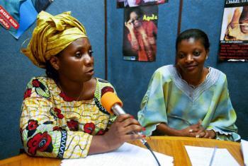 O pacto reconhece o papel de influência que os meios de comunicação podem ter em promover o empoderamento feminino.Foto: Banco Mundial