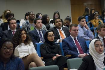 Os jovens estão muito mal representados nos Parlamentos mundiais.Foto: ONU/Rick Bajornas
