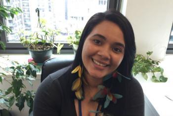 Kari Guajajara na sede da ONU Mulheres, em Nova York. Foto: Rádio ONU